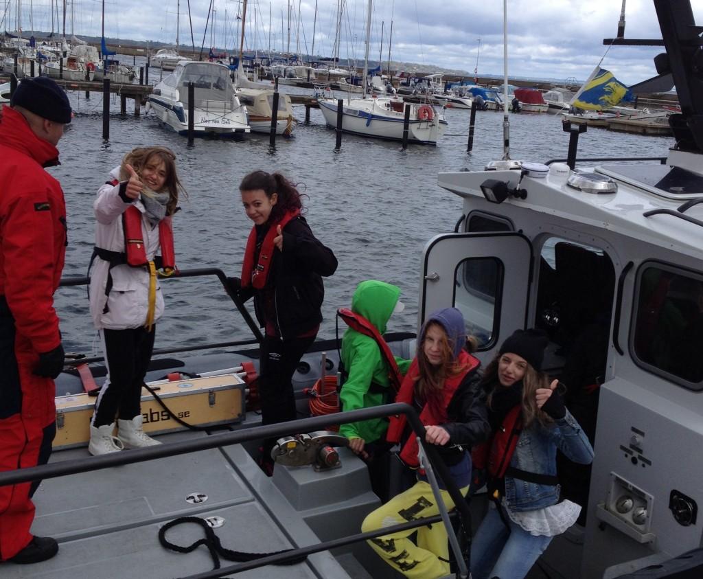 Kunskapsskolan Landskrona på väg ut med Kustbevakningen, Havsresan 2013
