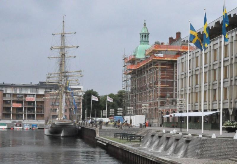 Briggen Tre Kronor vid kaj i Landskrona
